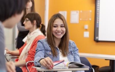 Praticare l'Inglese in Italia e all'Estero, pro e contro