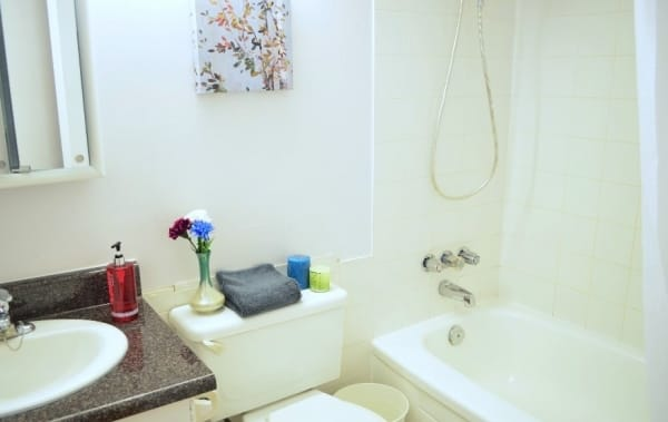 Bagno In Comune In Inglese : Toronto comfort harrington shared apartments ◢◤ full immersion